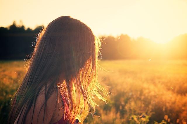 Що потрібно знати про сучасний світ дівчині-підлітку