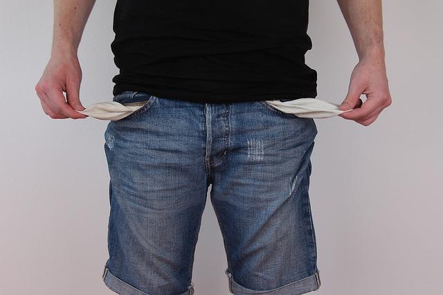 Чому бути бідним дорого